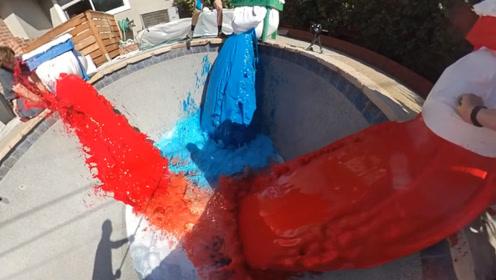 外国小伙突发奇想,将大象牙膏倒进游泳池中,一个游泳池都装不下