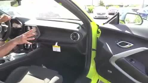 驾驶舱感受,全新雪佛兰科迈罗RS 1LE驾驶体验