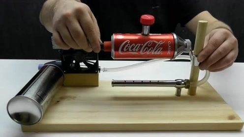 男子用易拉罐打造一台蒸汽发动机,这操作我彻底服了