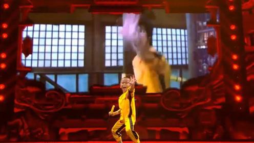迷你版李小龙,3岁健身体脂率达5%,练武对他来说就是玩!