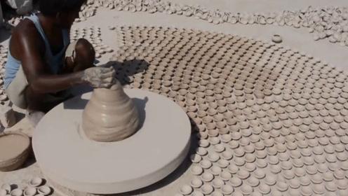 印度人不用机器都能开挂,看看陶瓷碗制作过程,果然名不虚传