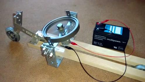 陀螺仪产生的稳定性,让两轮车平衡不倒,这原理真让人费解
