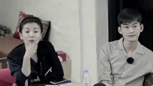 让林心如坐角落引网友争议 刘涛无奈解释:不要看表面
