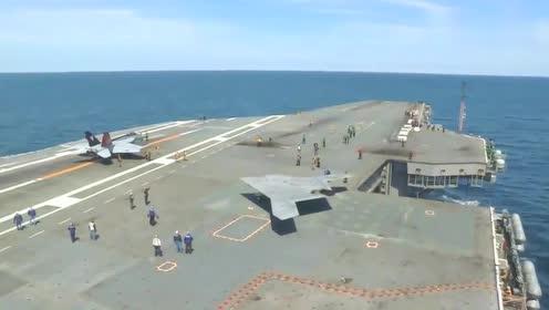 X47b无人机在航母在起飞,冷不丁还以为是B2轰炸机!