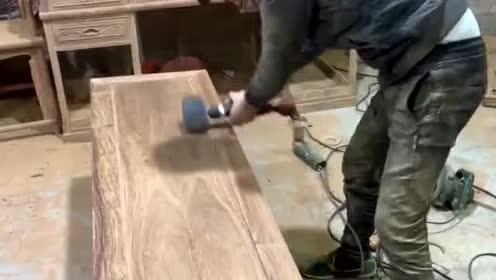 差点考上清华的帅哥当了木工!干了六年还在学抛光!