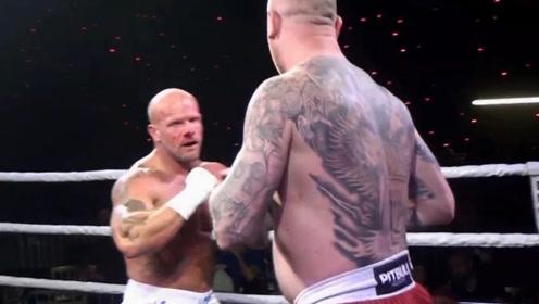 裸拳重量级比赛,双方都有一拳KO的能力,就看谁先中招!