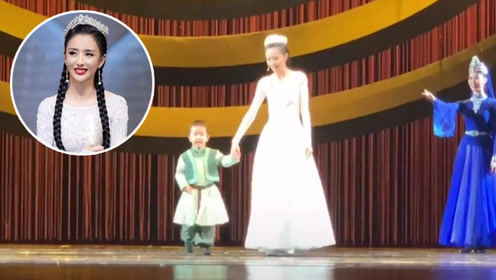 佟丽娅3岁儿子正脸曝光,长相感觉挺像爸爸