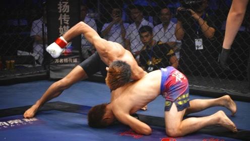 日本选手赛前称要KO中国小将 结果被按在地上打捶到认输