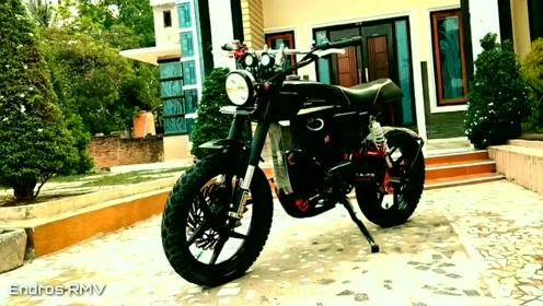 国外小伙子如何复活一辆1982年的老摩托车