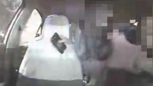 醉酒女呕吐车上拒付清洁费 怒抢方向盘2次并大喊停车