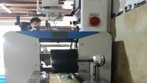 自动化流水线包装甘蔗,效率极高,其生产的产品远销各地!