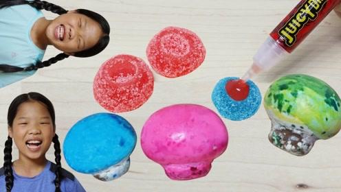 姐妹俩吃各种可爱的小果冻,真是太美味了