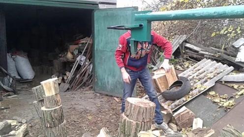 农村大叔发明简易劈柴机,一天能劈20吨木头,60块钱造一个