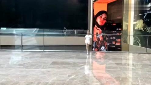 泰国六岁女孩获选美小姐冠军走红,网友看到后直呼想要生女儿