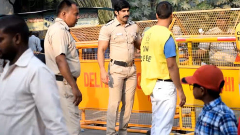 健身不能当饭吃?印度的肌肉警察,靠着健身成功出演电影