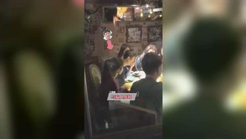 王思聪被限制消费依然很潇洒,饭店吃饭4位美女相陪