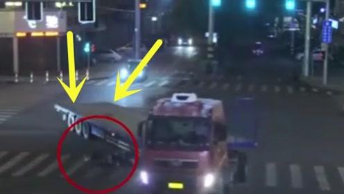 外卖员被货车挂倒,求生欲爆棚逼出神反应,监控拍下精彩全程!