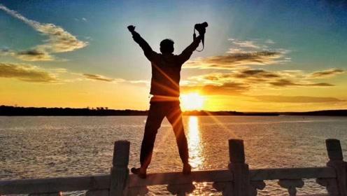 中国日出最早的地方,凌晨2点就出太阳,全镇仅有一个男人