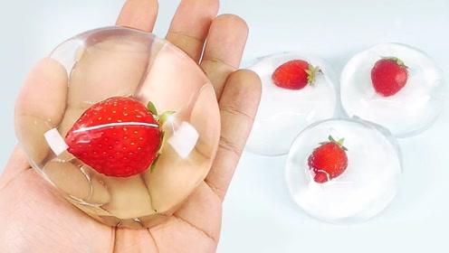 牛人自制神奇的草莓果冻,过程有点解压,网友:看到成品惊艳到了