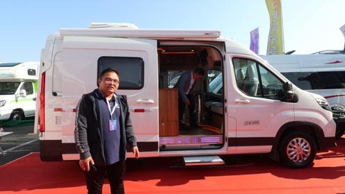 爱旅途大通V90B型房车,精致的软包处理,内饰功能都很齐全!