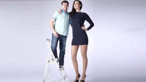世界腿最长的超模!腿长1.5米,日本男友只能站在腿下
