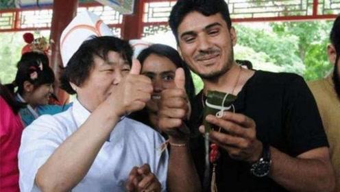 巴基斯坦人一眼,便能辨别中国和日本游客,称这2特征太明显!