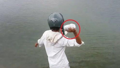 """印度""""神人""""作死挑战,一公斤钠丢进湖里,场面失控跑都来不及"""