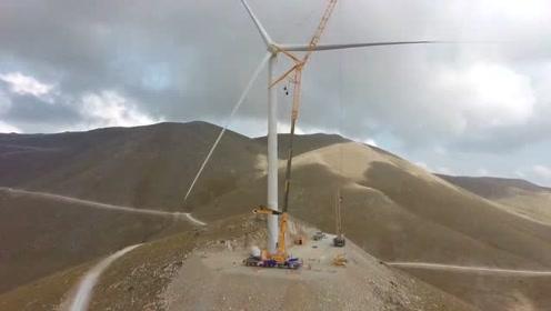 近距离实拍,一座风力发电机安装过程,比我想象中的高多了!