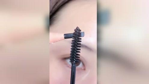 教你用刷子画出好看又自然的眉毛,新手一看就会了