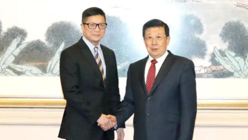 现场!公安部部长赵克志会见邓炳强:支持香港警队严正执法