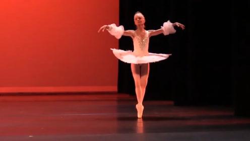 """世界上最美的""""芭蕾女神"""",跳了整整70年,如今身体变成了这样"""