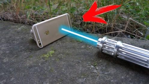 激光笔的照射力到底有多强?老外用苹果手机测试,果然名不虚传!