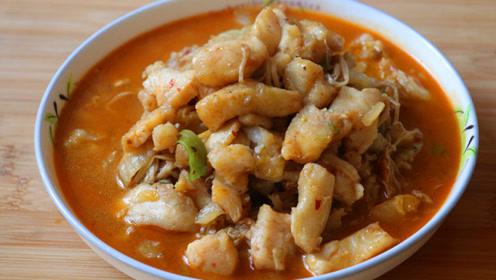 金针菇白菜炖鱼肉片,味道鲜美,鱼肉鲜嫩,上桌后家人瞬间吃光