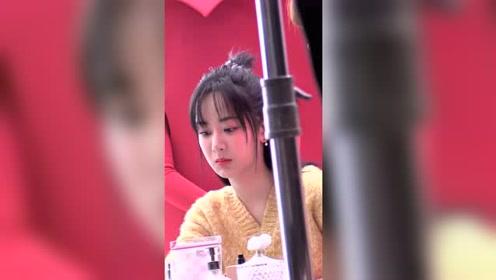 杨紫最新路透曝光 拍摄广告浑身都是戏真的是个好演员