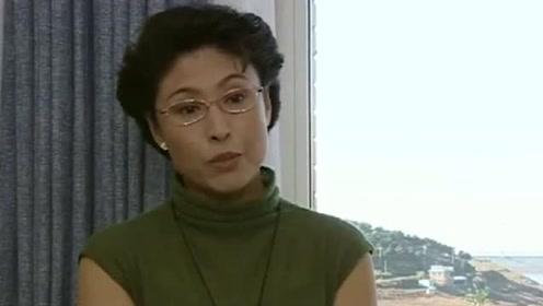她爱好演戏,却跑龙套多年47岁被赵本山捧红,如今低调嫁警察