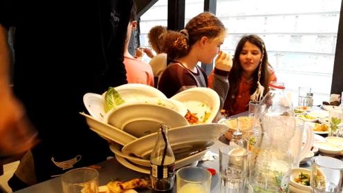 为何饭店服务员,从不吃客人剩下的菜?饭店经理:隐藏规定!