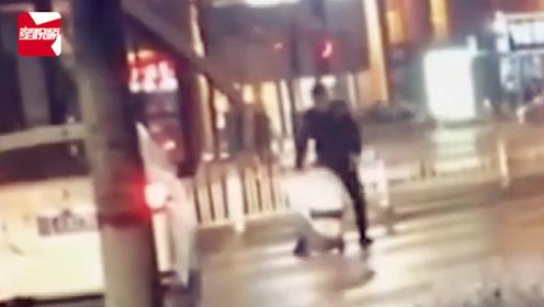 银川一男子酒后当街暴揍女子,还开车将其撞倒,警方:2人是夫妻