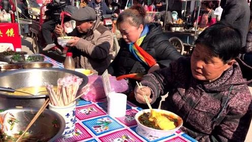咸阳武功老街:特色小吃真不少,卖搅团大姐说有人一次吃过3碗