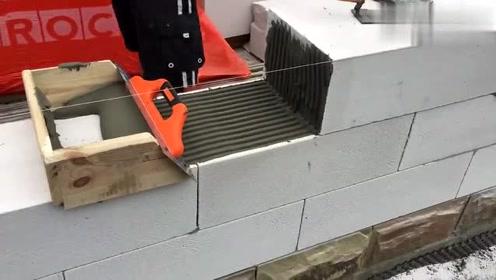 实拍德国人砌墙过程,牛人发明的工具太有才了!
