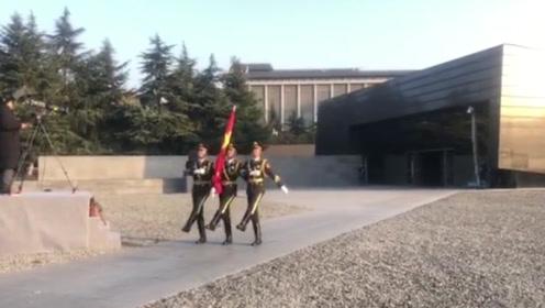 南京大屠杀死难者国家公祭日:以国之名 下半旗志哀