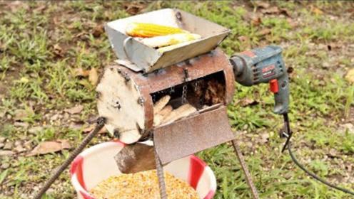 不想剥玉米?牛人发明玉米脱粒机,将玉米丢进去马上变成玉米粒