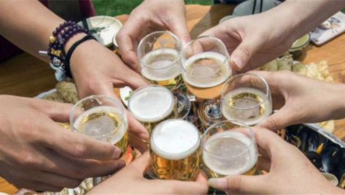 酒那么难喝,为什么那么多人还喜欢喝酒?答案和你想的不一样