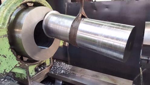 特种加工,大钢柱中间掏空,这就是套料刀加工