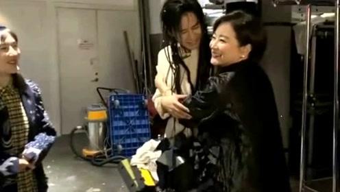 林青霞为张杰谢娜煮面,张杰激动发文:东方不败做的面,睡不着了