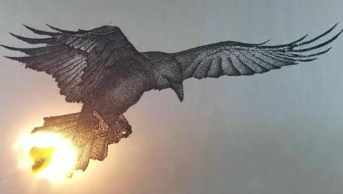"""艺术家在纸上画一只""""老鹰"""",一把火点燃后,价值翻了好几倍!"""