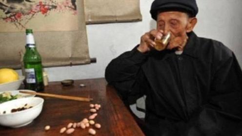 """每天喝一杯""""白酒""""的人,最后都变成什么样了?看完你都不信!"""