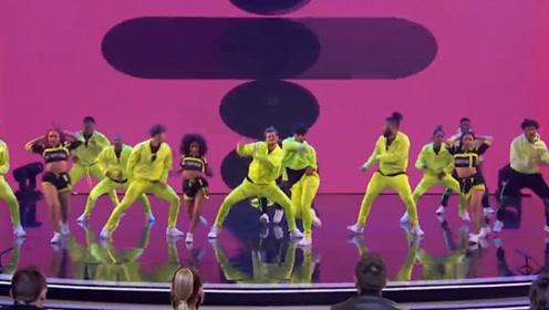 达人秀:一伙人群魔乱舞,结果评委的表现亮了!