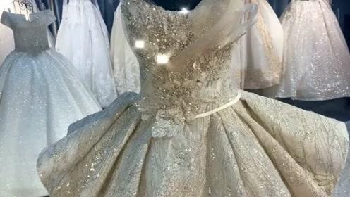 如果有一天你穿上婚纱成为别人的新娘,依旧是我最初的梦想,太喜欢了!