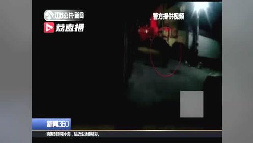 老人晚上独自坐公交 民警一路跟随照亮道路