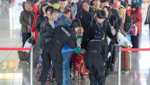 为何大批美国华人集体回国,拦都拦不住,究竟发生了什么?